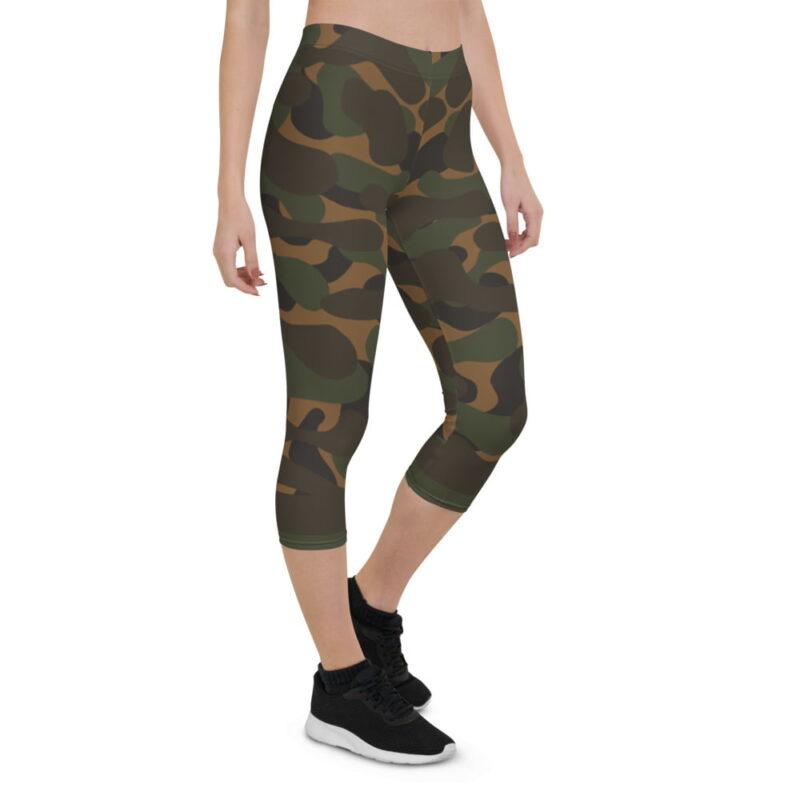 Dark Camouflage Capri Leggings 6