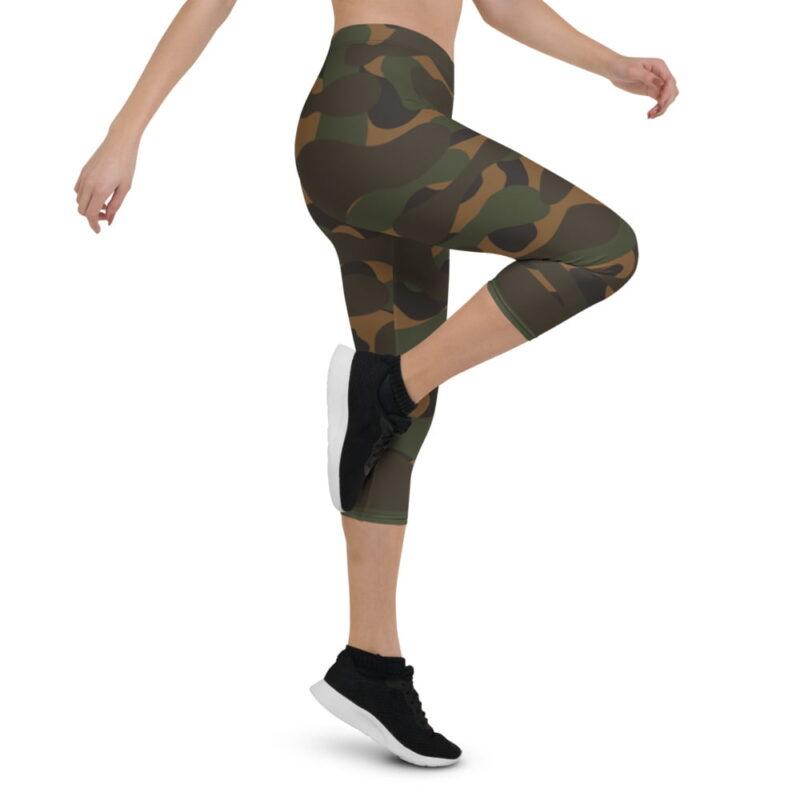 Dark Camouflage Capri Leggings 4