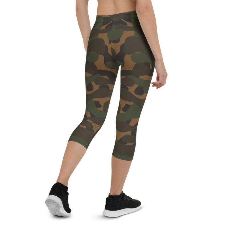Dark Camouflage Capri Leggings 2